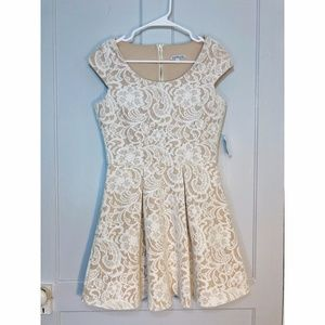 *NWT* Charlotte Russe White Lace Dress  - Size: S